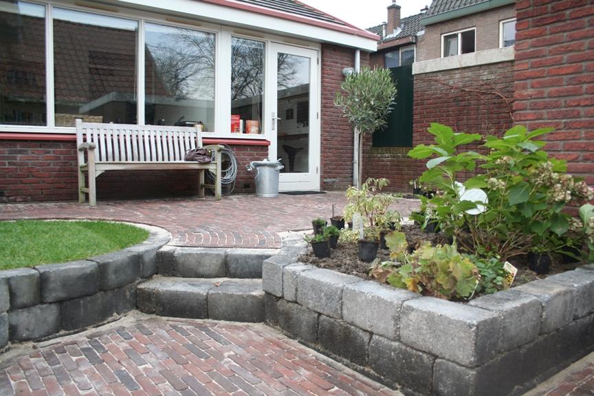 Idee kleine tuin met niveauverschil foto : Niveauverschil in kleine achtertuin – Nienke Dijkman Tuinontwerp